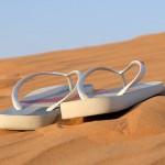 Sandalen am Strand
